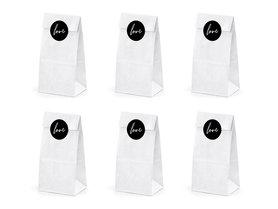 Witte papieren zakjes met love stickers 6 stuks