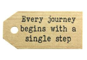 Gelukskaartje kraft label every journey begins with a single step