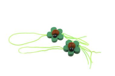 Gelukspoppetjes lieveheersbeestje op blad groen touwtje