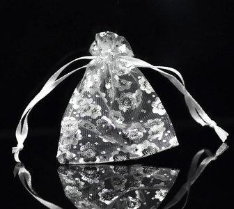 Organza zakjes 100 stuks zilver bloem wit organza zakje